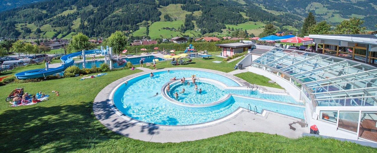 Schwimmbecken vom Solarbad in Dorfgastein